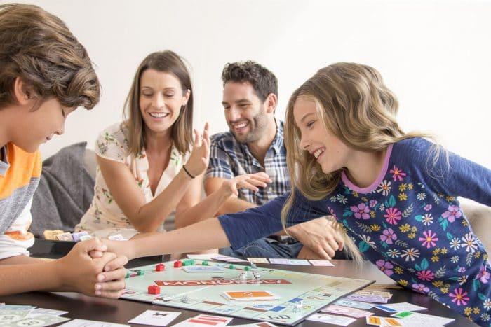 Juegos ideales para jugar toda la familia