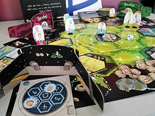 Si disfrutas tu frikismo, estos juegos de mesa frikis son para ti